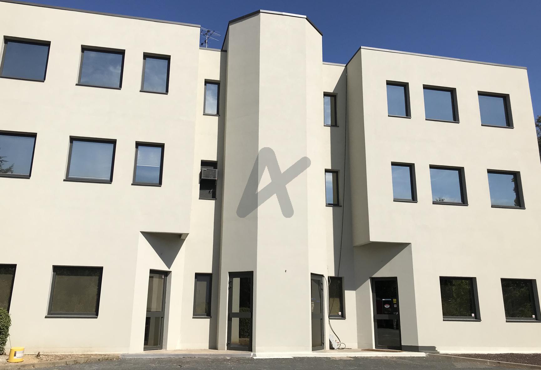 Vente immobilier professionnel bureaux de 264m2 en - Bureau de vente immobilier ...